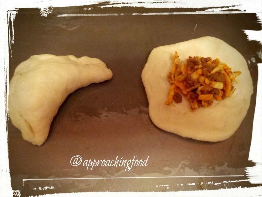 Process of stuffing empanadillas