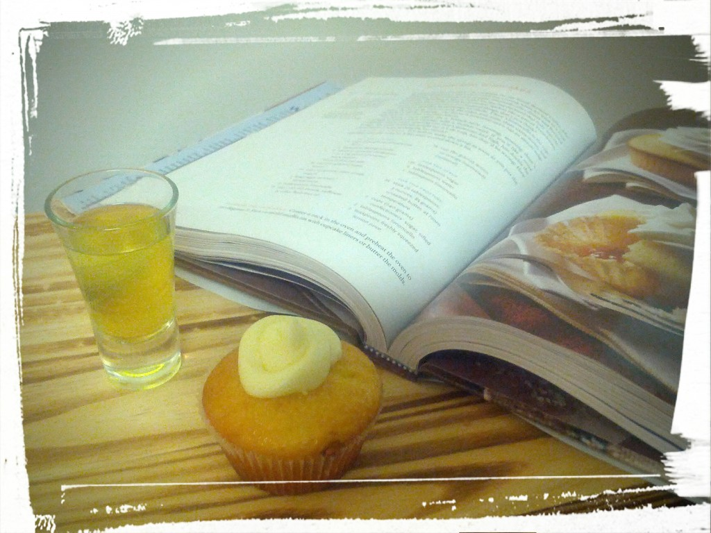A few of my favourite things: sipping, eating, and reading about food. Ah, sweet joy of life!
