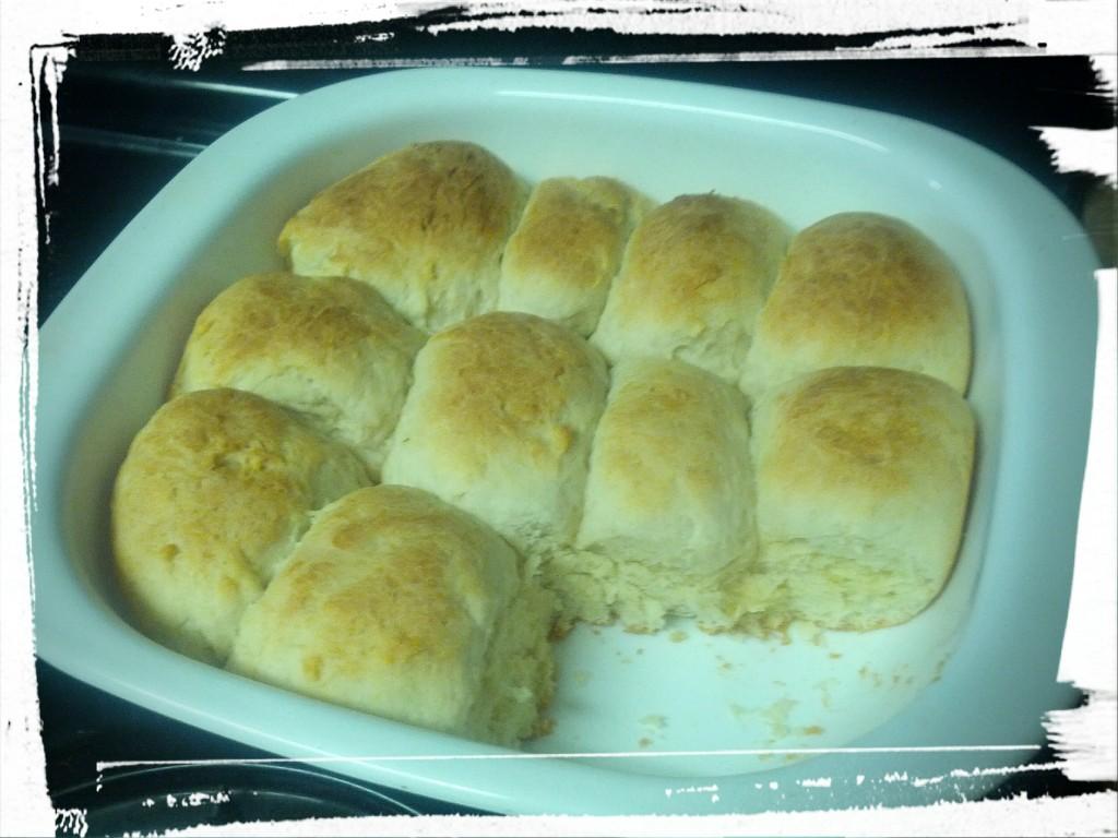 Pan o' freshly baked buns!