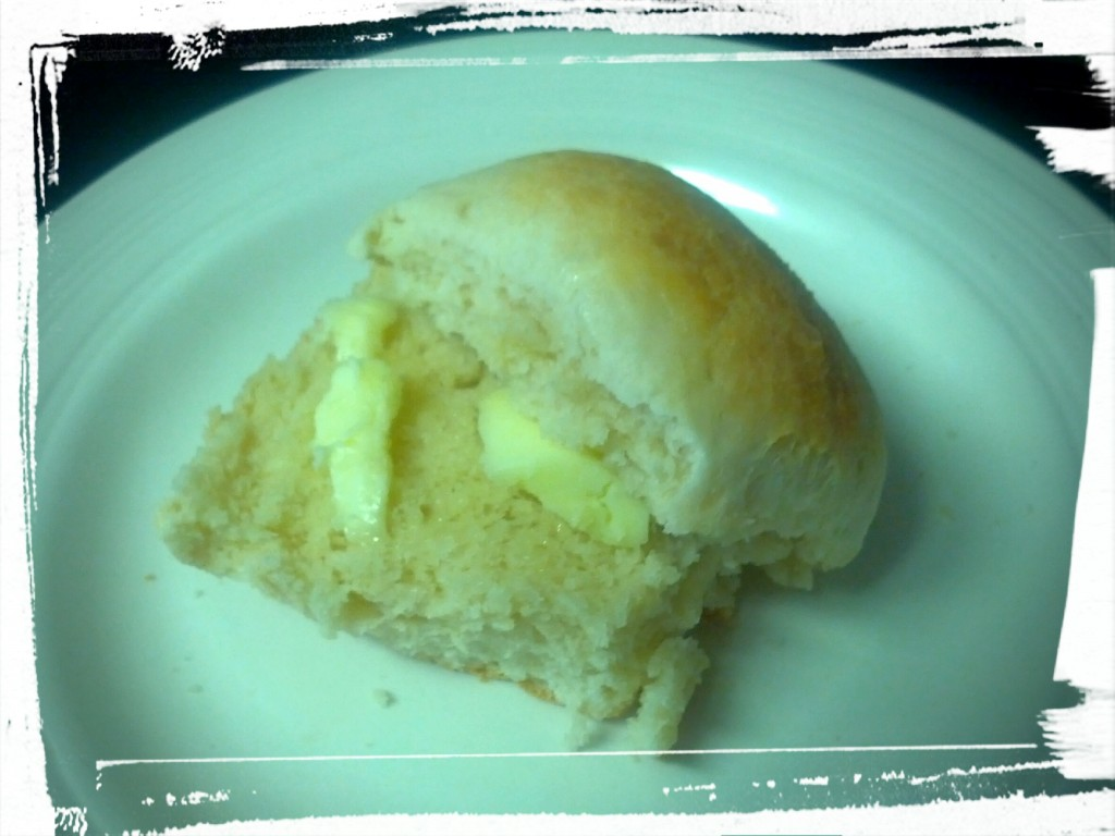 Yummy in my tummy! Easy-peasy dinner rolls.