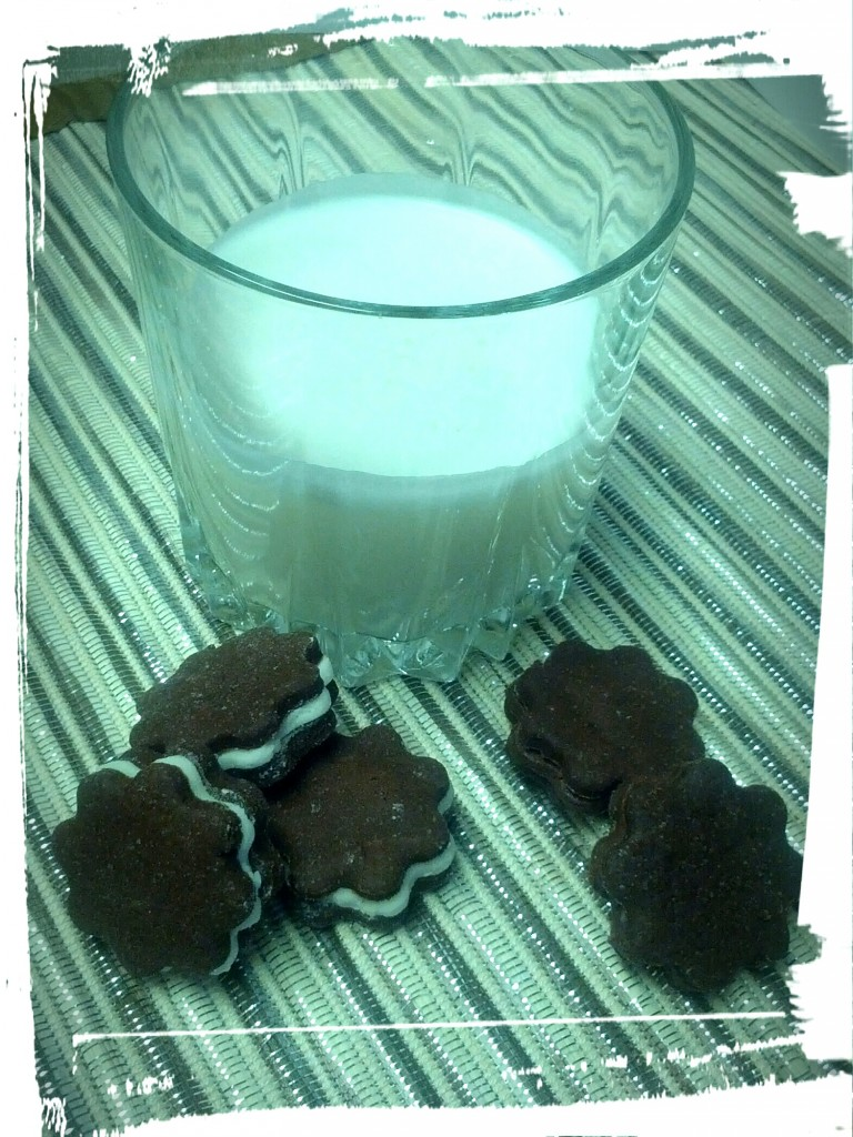 Your classic milk and cookies. Preservative-free!